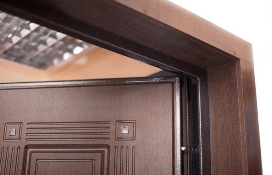 Как установить наличники на входные двери своими руками